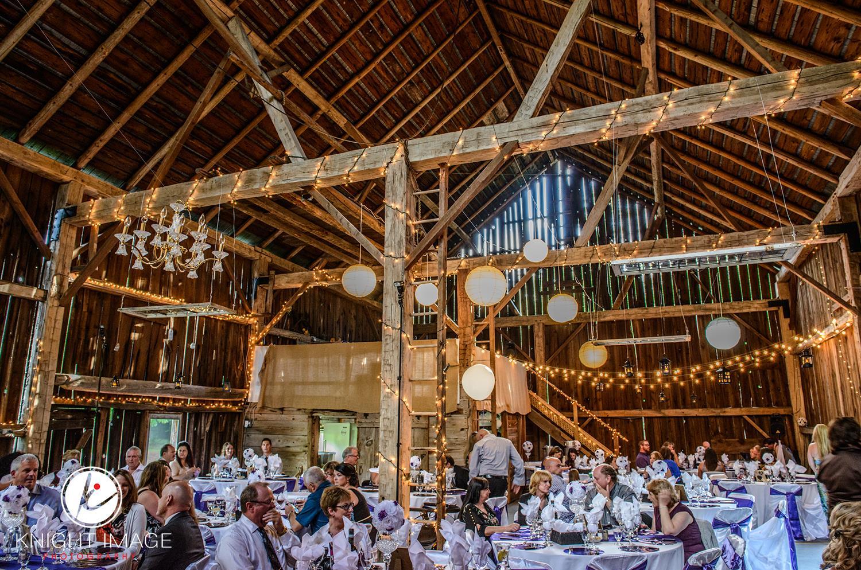 Lazy dayz barn wedding